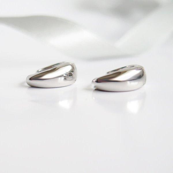 Auskarai platėjančios rinkutės sidabrinės